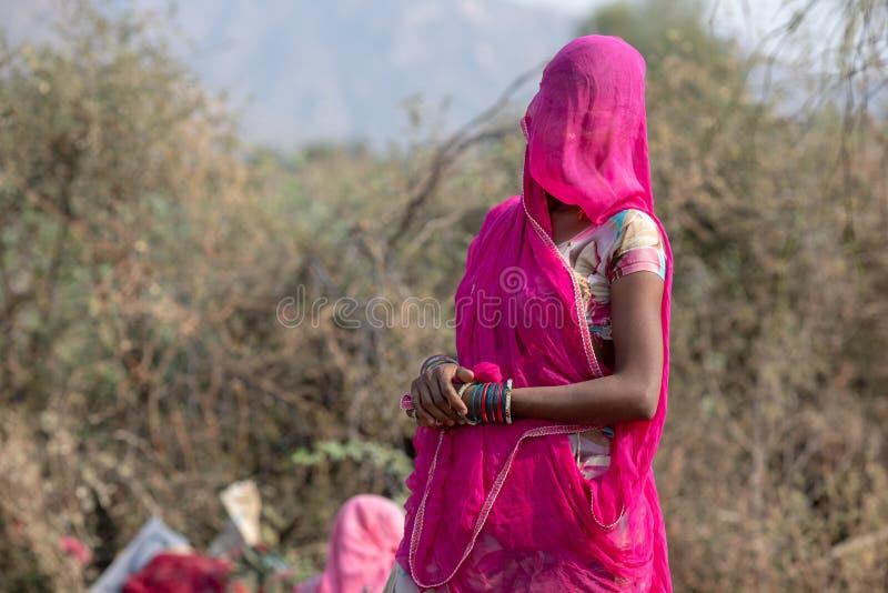 Uśmiechnięte indyjskie wiejskie kobiety zdjęcia royalty free