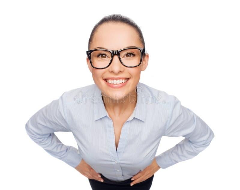 Uśmiechnięty bizneswoman w eyeglasses obrazy stock
