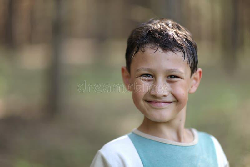 Uśmiechnięty chłopiec 9 lat fotografia royalty free