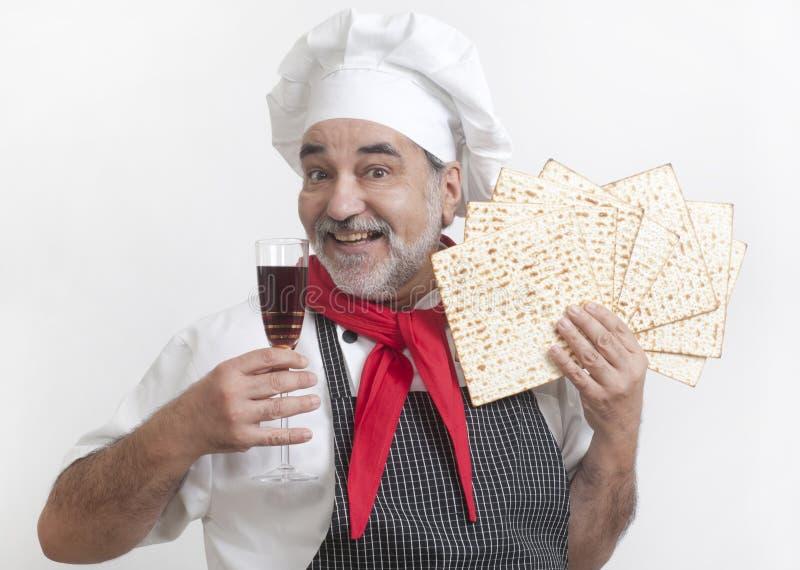 Uśmiechnięty kucharz z matza fotografia stock