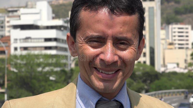 Uśmiechnięty Latynoski Biznesowy mężczyzna obrazy royalty free