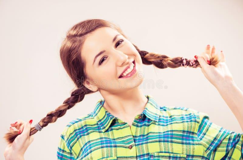 Uśmiechnięty Nastoletni dziewczyna portret obraz stock
