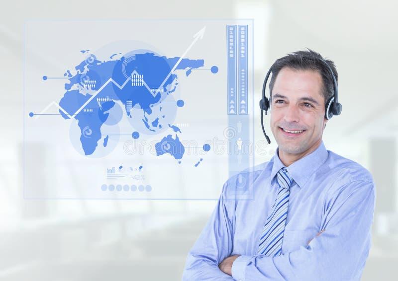 Uśmiechnięty obsługi klienta kierownictwo z rękami krzyżować zdjęcie stock