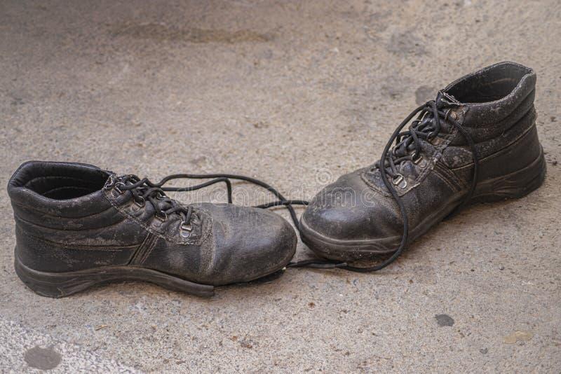 Używać czarni bezpieczeństwo buty zdjęcia royalty free