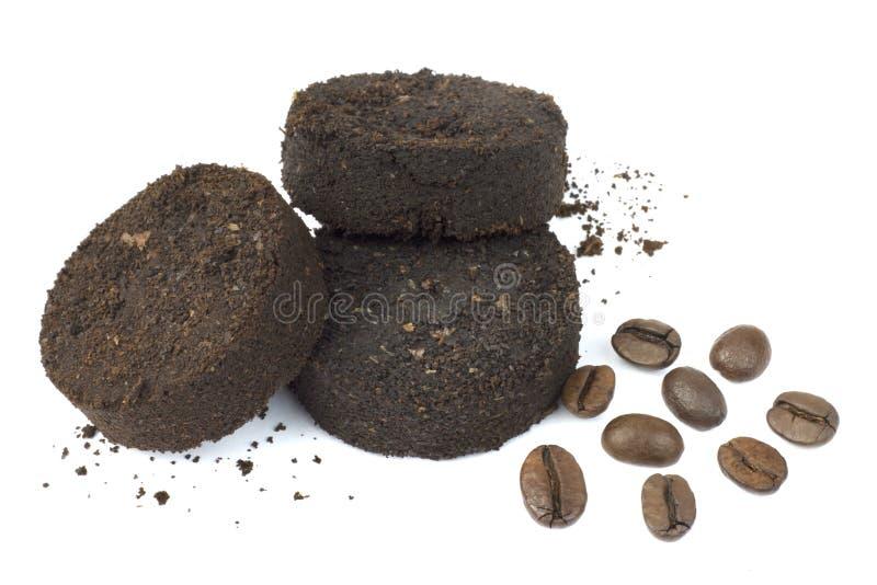 Używać kawowe ziemie po kawy espresso maszyny i kawowych fasoli obraz stock