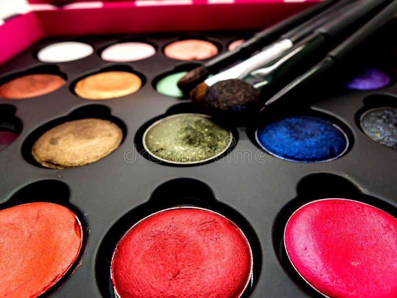 Używać kosmetyk poduszka, oko cień, oko liniowa brusher, warga, highl fotografia stock
