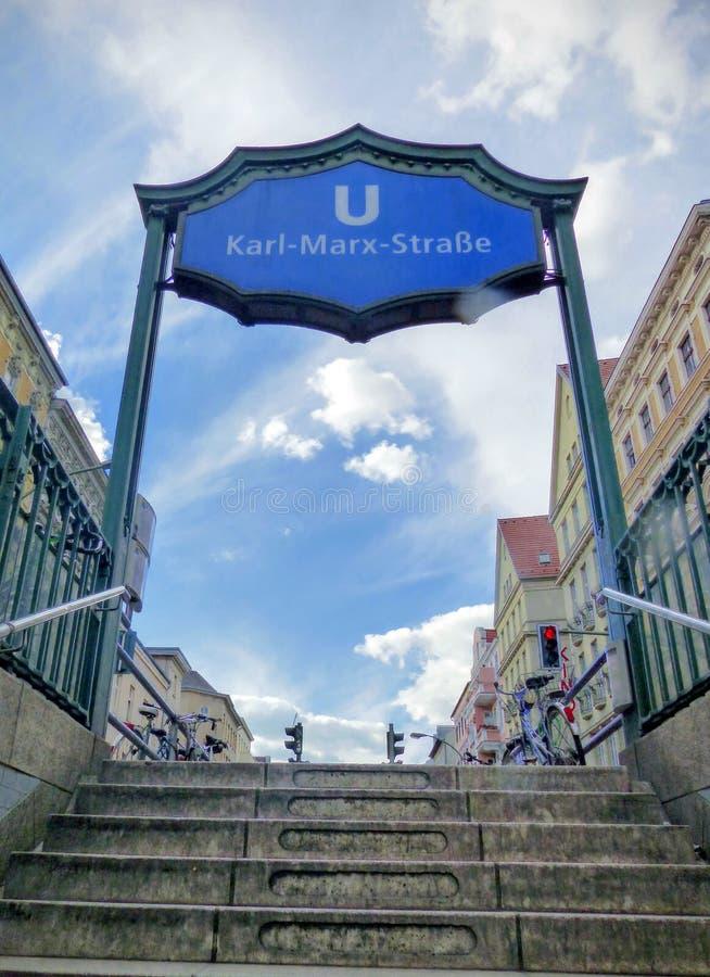 U-bahn znak metro Berlin Marx stacja, Niemcy zdjęcia royalty free