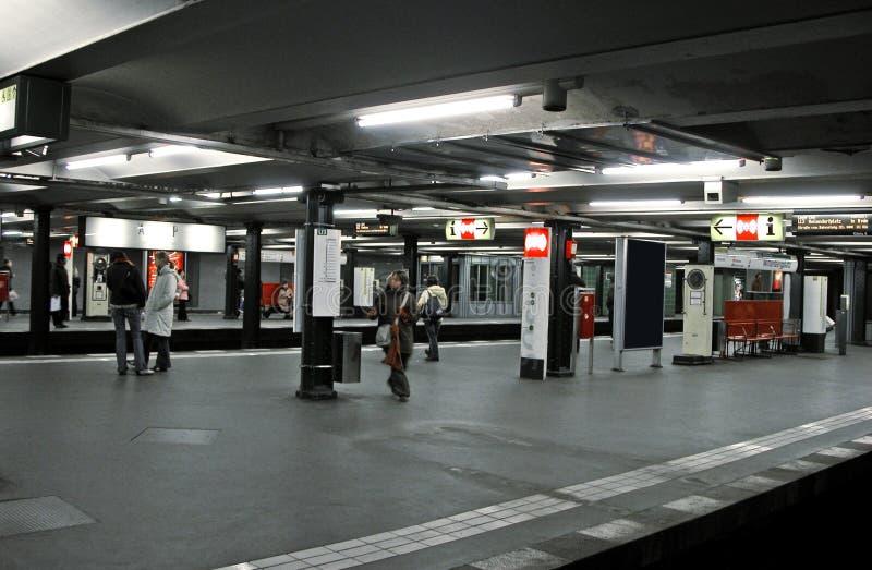 U-Bahnstation lizenzfreie stockfotos