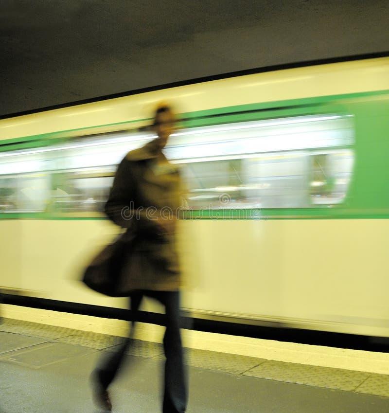 Download U-Bahnstation stockfoto. Bild von pendler, verkehr, schnell - 9079372