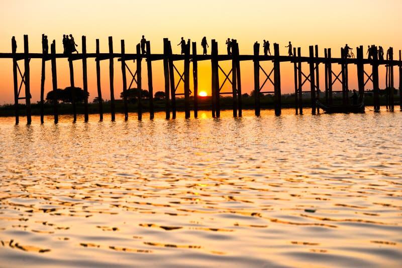 U bein brug, Mandalay, Myanmar. stock fotografie
