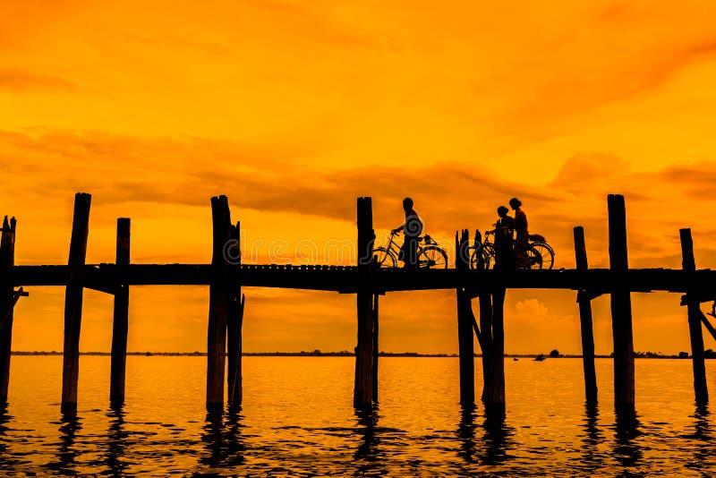 U bein brug in myanmar royalty-vrije stock afbeeldingen
