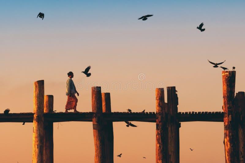 U Bein mostu skrzyżowanie obraz stock