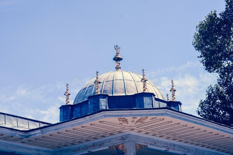 ?u?ere Ansicht der Haube in der Osmanearchitektur in der T?rkei stockbilder
