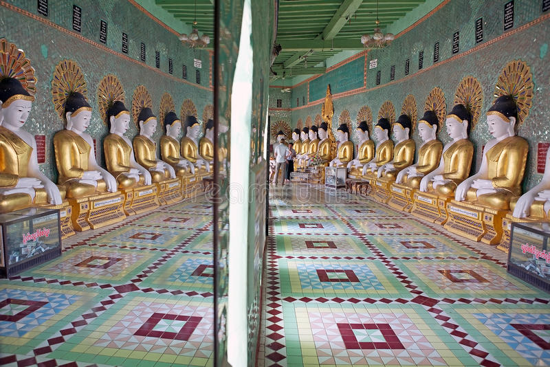 U Min Thonze Cave Sagaing Hill, Myanmar images stock