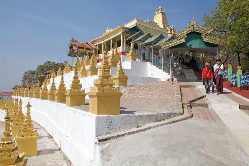 U Min Thonze Cave Sagaing Hill, Myanmar royaltyfri fotografi