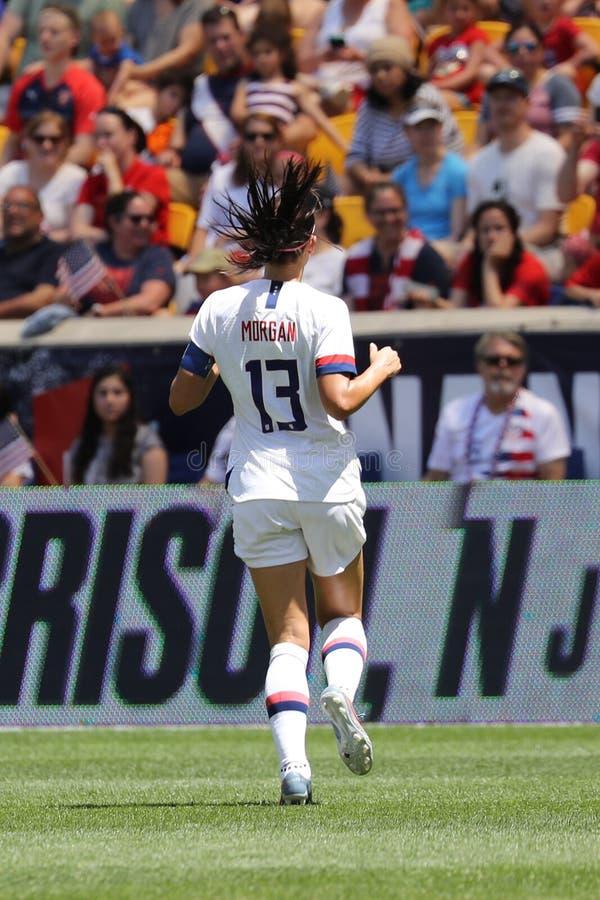 U S Εθνική ομάδα ποδοσφαίρου γυναικών καπετάνιος Alex Morgan #13 στη δράση κατά τη διάρκεια του φιλικού παιχνιδιού ενάντια στο Με στοκ εικόνες