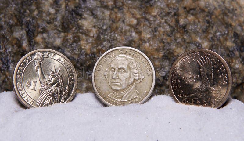 U S Νομίσματα ενός δολαρίου στην επίδειξη στοκ εικόνα