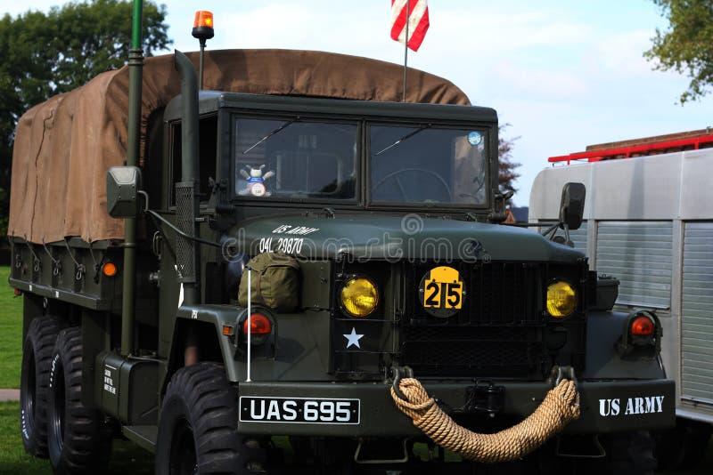 U S Φορτηγό μεταφορών στρατεύματος WWII-εποχής στρατού στοκ εικόνες