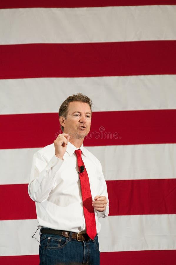 U S Сенатор Ранд Пол, R-Кентукки, говорит в Nashua, Нью-Гэмпшир, 18-ого апреля 2015 стоковые фото