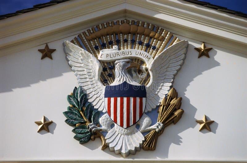 U S 国徽和总统封印在赫伯特・胡佛站点,西部分支,衣阿华 免版税图库摄影