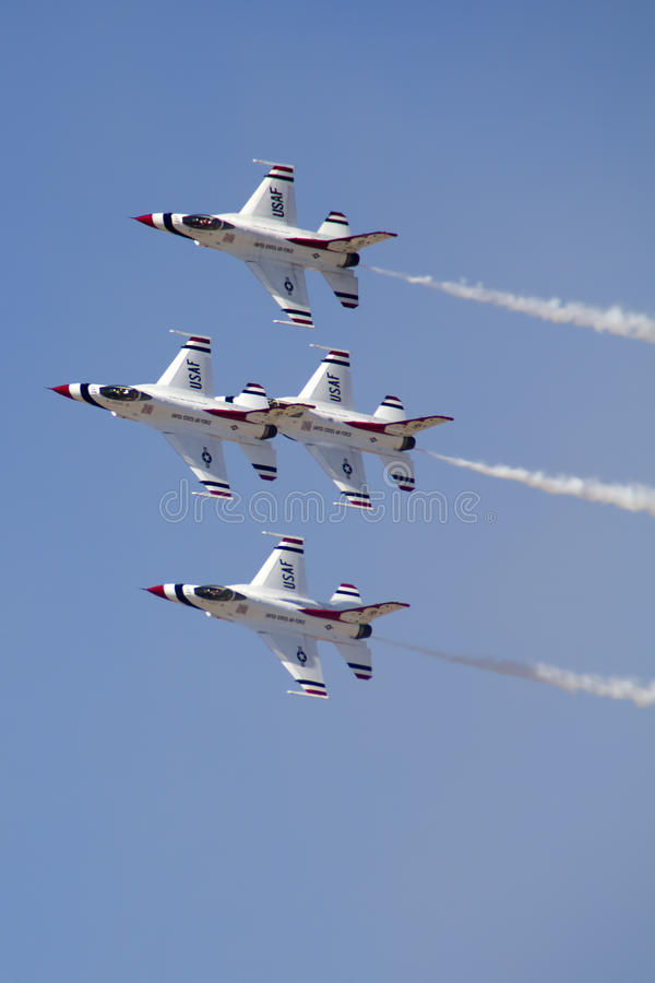 Free U.S. Air Force Thunderbirds Royalty Free Stock Photos - 38895738