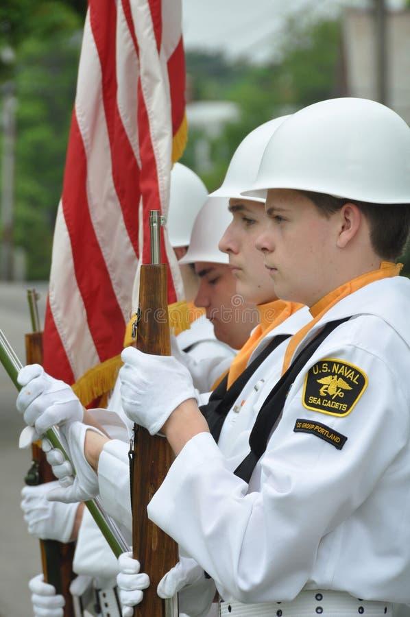 U.S. Cadets navals de mer à la cérémonie de Jour du Souvenir images libres de droits