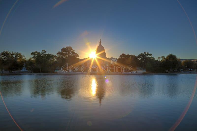 U.S. Capitol au lever de soleil image libre de droits