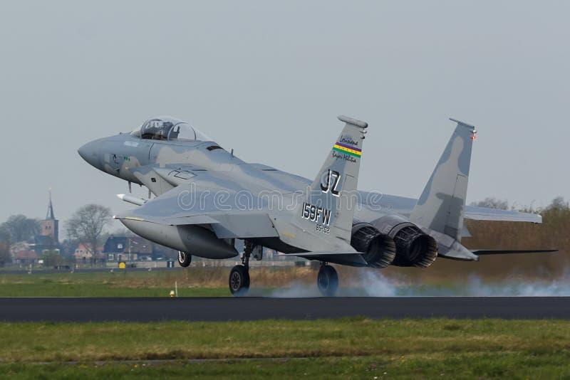 U.S.A.F.F-15 Eagle que toca para baixo durante o exercício da bandeira do Frisian fotografia de stock royalty free