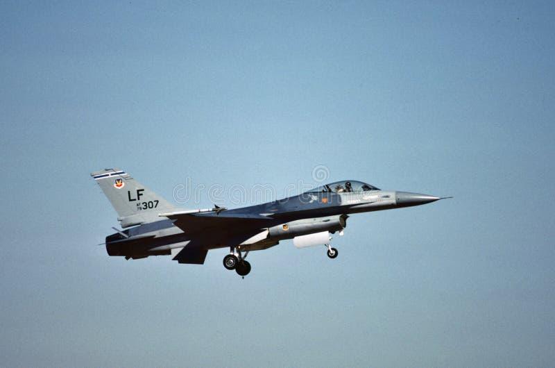U.S.A.F. General Dynamics F-16A 79-0307 a Luke AFB, AZ fotografia stock libera da diritti