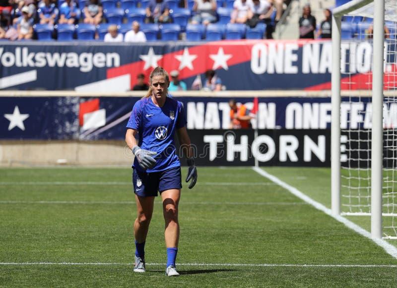 U S Gardien de but national d'équipe de football des femmes Alyssa Naeher #1 dans l'action pendant l'échauffement avant jeu amica photographie stock