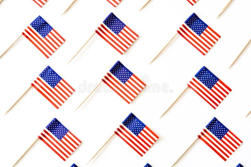 U.S.A. inbandiera il modello su fondo bianco immagine stock