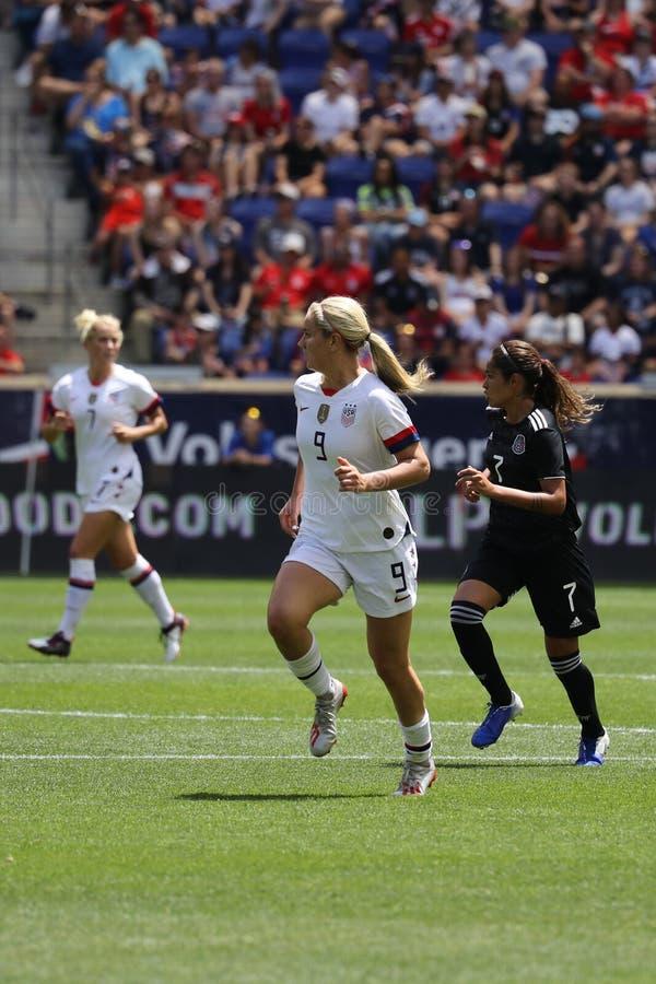 U S Joueur du milieu de terrain national d'équipe de football des femmes Lindsey Horan #9 dans l'action pendant le jeu amical con photo stock