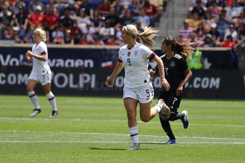 U S Joueur du milieu de terrain national d'équipe de football des femmes Lindsey Horan #9 dans l'action pendant le jeu amical con photo libre de droits