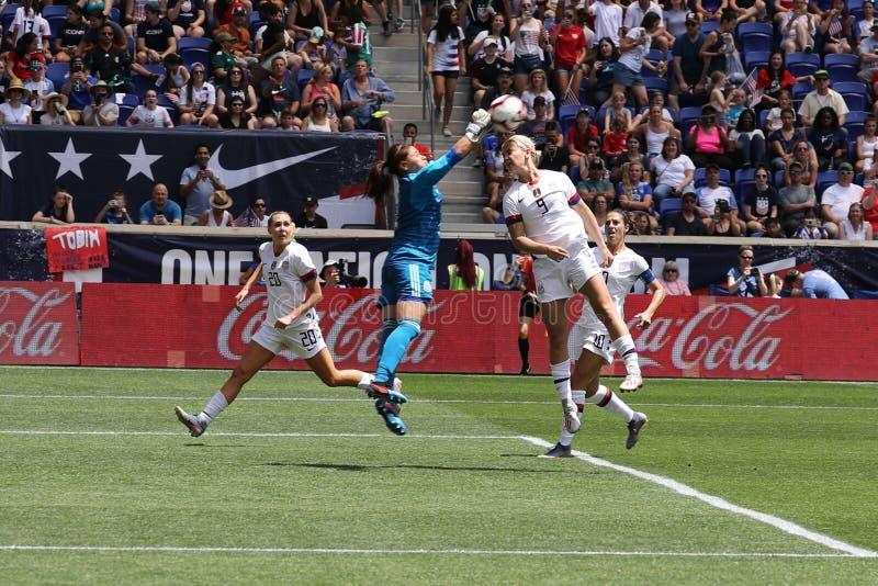U S Joueur du milieu de terrain national d'équipe de football des femmes Lindsey Horan #9 dans l'action pendant le jeu amical con images stock