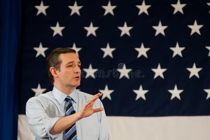 U S Le sénateur Ted Cruz, le R-Texas, parle à Nashua, New Hampshire, le 18 avril 2015 photo stock