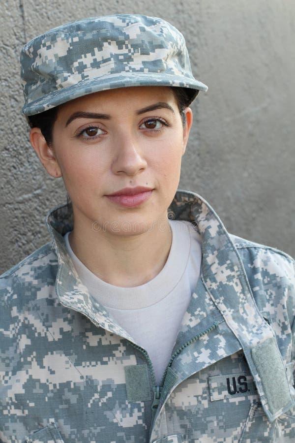 U S Legermilitair, Sergeant Geïsoleerd dicht tonend spanning, PTSD of droefheid royalty-vrije stock foto's
