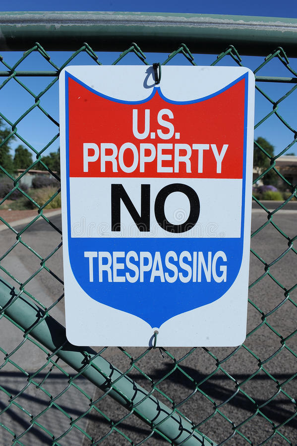 U.S Property No Trespassing sign royalty free stock photos