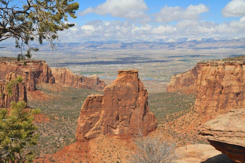U.S.A.: Roccia di indipendenza in monumento nazionale di CO fotografia stock libera da diritti