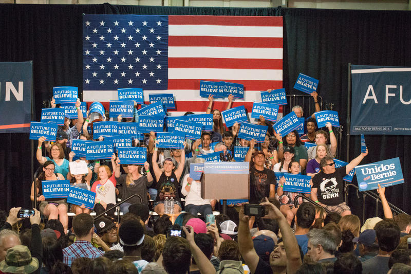 U S Sanders της Bernie φέρελπις πρόεδρος συνάθροιση στοκ εικόνα με δικαίωμα ελεύθερης χρήσης