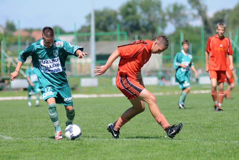 U19 voetbalspel stock foto's