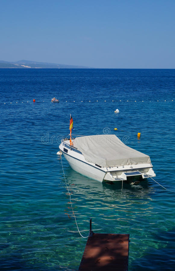 梦见自己睡在船上
