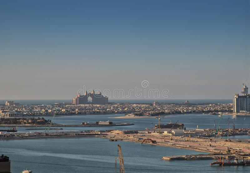 UAE/DUBAI 20 DEZ 2018 - View of the palm tree island in Dubai with the famous hotel Atlantis in close-up stock images