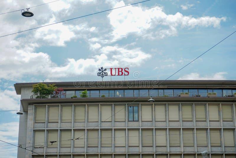 UBS-embleem op het hoofdkwartierkantoor bij het Paradeplatz-vierkant in Zürich, Zwitserland, 17 06 2018 stock foto