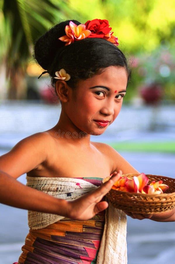 2010 08 06, Ubud, Bali Etnische inwoners van Indonesië Mooie meisjes van Bali stock afbeeldingen
