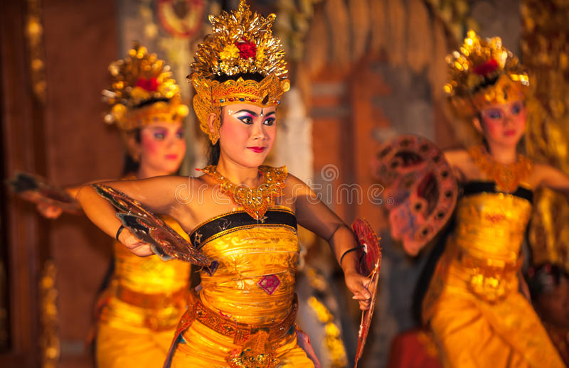 UBUD, BALI, INDONESIË - Augustus, 07: Legong traditionele Balinees royalty-vrije stock foto