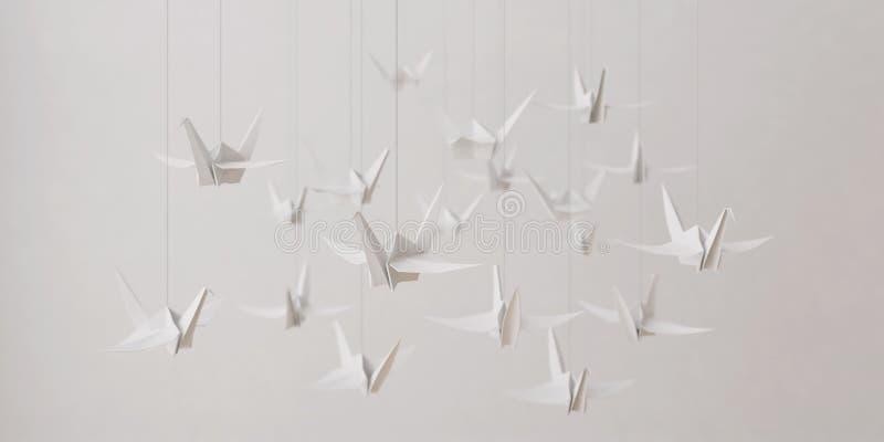 Uccello di origami nella stanza vuota illustrazione di stock