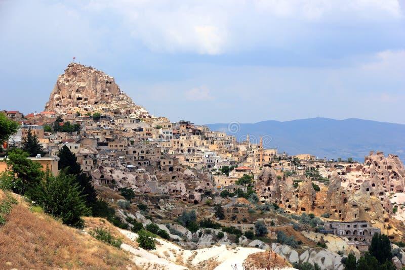 Uchisar - Schloss und Dorf Cappadocia, zentrales Anatolien, die T?rkei stockbilder