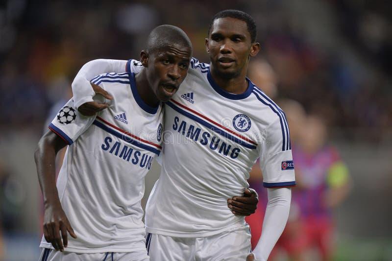 UCL: Ramires och Eto'o av Chelsea att fira arkivbild