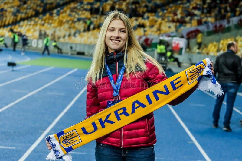 Ucrânia contra Gales fotos de stock