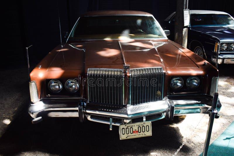 Ucrânia, Lviv - em maio de 2019 carro velho Chrysler no museu imagem de stock